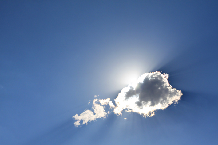 High above the cloud the sun stays the same_ ⓒ Wing-Chi Poon_ Wikimedia